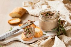 Chicken Liver Pate Recipe on Jspace Food Chicken Pate Recipe, Chicken Liver Pate, Chicken Livers, A Food, Food And Drink, Pate Recipes, Food Hunter, Sous Vide, Thanksgiving Recipes