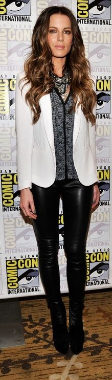 Who made Kate Beckinsale's white blazer, black leather pants, and black suede boots that she wore in San Diego on July 13, 2012? Necklace – Tom Bins  Shoes – Christian Louboutin  Jacket and pants – Rag & Bone