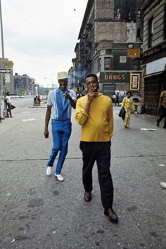 Captivating photographs of Harlem in July of 1970 taken by French photographer Jack Garofalo for the October issue of Paris Match magazine.