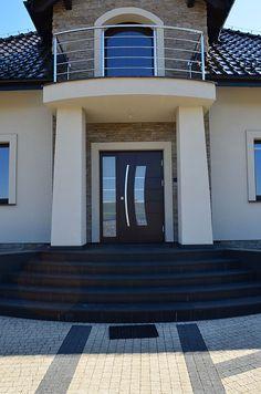 Znalezione obrazy dla zapytania drzwi wejściowe z doświetleniem Garage Doors, Outdoor Decor, House, Home Decor, Ideas, Decoration Home, Home, Room Decor, Home Interior Design