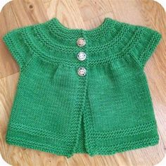 Baby Sweater Patterns, Crochet Baby Cardigan, Baby Cardigan Knitting Pattern, Crochet Baby Booties, Sweater Knitting Patterns, Crochet Hats, Baby Set, Baby Baby, Sewing Kids Clothes