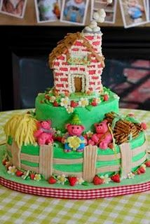 Three Little Pigs Birthday Cake