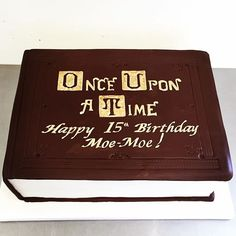 Once upon a time cake! Handmade in Toronto by finespuncakes.com