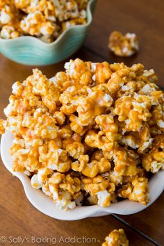 Why you use cream of tarter and baking soda. Homemade Caramel Corn - sticky, salty, sweet, and irresistible! Caramel Corn Recipes, Popcorn Recipes, Snack Recipes, Dessert Recipes, Cooking Recipes, Desserts, Salted Caramel Popcorn, Carmel Popcorn, Def Not