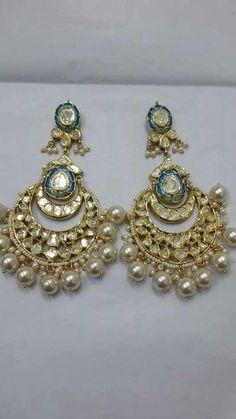 Meenakari pearls amd uncut diamond chandbalis India Jewelry, Temple Jewellery, Fine Jewelry, Pakistani Jewelry, Bollywood Jewelry, Jewelry Design Earrings, Designer Earrings, Indian Engagement Ring, Indian Earrings