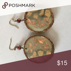 Brown and Gold Dangly Earrings Such pretty earrings that are neutral to dress up any outfit! Jewelry Earrings