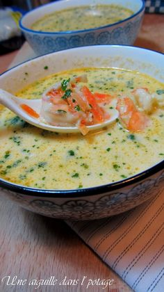Soupe thaï aux crevettes et lait de coco a needle in the soup: Thai soup with shrimps and coconut milk Ground Beef Crockpot Recipes, Healthy Ground Beef, Ground Beef Recipes For Dinner, Healthy Beef Recipes, Easy Soup Recipes, Asian Recipes, Vegetarian Recipes, Shrimp Recipes, Healthy Chicken