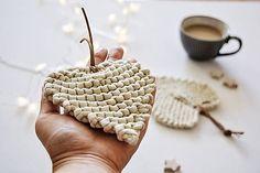 Silur / Srdiečkové lístky - prírodné Straw Bag, Box, Fashion, Moda, Snare Drum, Fashion Styles, Fashion Illustrations