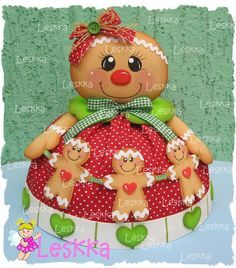 Mommy Ginger and baby Ginger's. Gingerbread Christmas Decor, Christmas Elf Doll, Gingerbread Crafts, Classic Christmas Decorations, Merry Christmas, Christmas Hearts, Christmas Time, Christmas Stockings, Christmas Animals