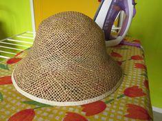 zo wordt de hoed groter. you can enlarge the hat. so machts du den hut groesser. come ca le chapeau est plus grand