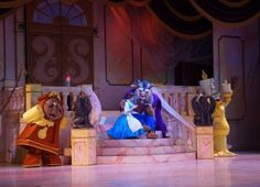 Delight Beauty and the Beast fans with these birthday party games based on Princess Belle and other favorite characters and scenes from the film. Walt Disney World Rides, Disney World Parks, Disney On Ice, Disney Music, Oscar Wilde, Communication Interpersonnelle, Theater, Formation Continue, Literatura