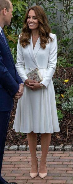Looks Kate Middleton, Kate Middleton Outfits, Princess Kate Middleton, 60 Fashion, Royal Fashion, Fashion Beauty, Duke And Duchess, Duchess Of Cambridge, Stylish Street Style