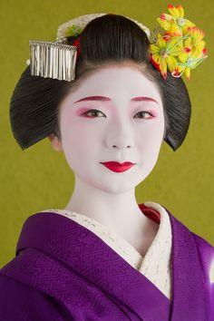 Maiko of Miyagawa-chō hair clips