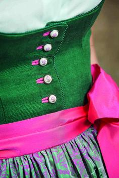 1. Goldener Hirsch Dirndl designed by Susanne Spatt  Fotos (c) Susanne Spatt Folk Fashion, Womens Fashion, Alpine Style, Eclectic Style, Aesthetic Fashion, Traditional Outfits, Trends, Blazer, Girly