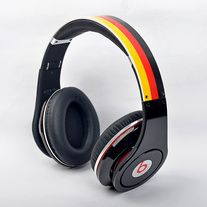 go to buy:www.damonshoes.com new Beats Studio® is lighter, sexier, stronger, and more comfortable, with precision sound, Adaptive Noise Canceling, a 20-hour rechargeable battery, and RemoteTalk™. It has all the energy and excitement you expect from Beats, plus a powerful, reengineered sound.