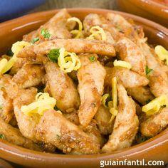 Las tradiciones pasan de generación en generación, como este pollo al ajillo, la receta de la abuela para que los niños disfruten de los sabores de la cocina tradicional. En Guiainfantil.com te enseñamos a hacer pollo al ajillo.