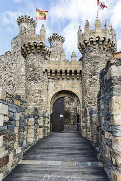 Templar Castle Spain Templar Castle Spain - Places & Destinations - Shop by Subject Beautiful Castles, Beautiful Buildings, Beautiful Places, Chateau Medieval, Medieval Castle, Castle Ruins, Castle House, Fantasy City, Places To Travel