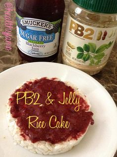 Jelly Rice Cake from Healthy Jams. Same flavors as a peanut better and jelly sandwich without the extra calories. Rice Sandwich Recipe, Sandwich Recipes, Healthy Snacks, Healthy Recipes, Jelly Cake, Rice Cakes, Sandwiches, Veggies, Lunch