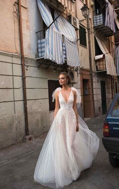 Berta has done it again! The popular MUSE by Berta wedding dress collection has taken the bridal world by storm, and now the 2018 line is set to be one of the most effortlessly chic collections released this year. The ad campaign takes place in Italy, where these breathtaking gowns can be seen with their modern yet …