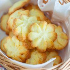 King Crab (BEST Baked Crab Legs Recipe!) - Rasa Malaysia Crab Recipes, Baking Recipes, Cookie Recipes, Snack Recipes, Dessert Recipes, Snacks, Desserts, Danish Butter Cookies, Butter Cookies Recipe