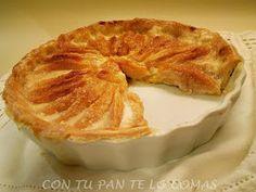 Una tarta de manzana jugosa, un poco diferente pero muy fácil. Con fotos del paso a paso.