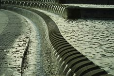 Notched weir edge - Train Station of Sheffield - UK