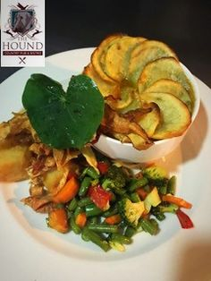 Something delicious and beautiful at The Hound Pub and Bistro Bistros, Ratatouille, Meat, Chicken, Ethnic Recipes, Beautiful, Food, Hands, Essen