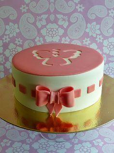 Bolo de batizado feminino. #festa #bolo #batizado Pastel Cakes, Cupcakes, Incredible Edibles, Edible Cake, Sugar Craft, Gorgeous Cakes, No Bake Cake, Love Food, Cake Decorating