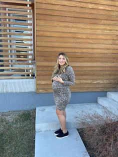 Spring maternity outfits to dress the bump in the best on trend maternity styles. #SexyMamaMaternity #ShopSexyMama