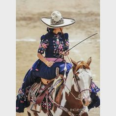 Escaramuza Mexican Costume, Mexican Outfit, Mexican Dresses, Traditional Mexican Dress, Traditional Dresses, Quince Dresses, Blue Dresses, Modern Outfits, Cute Outfits
