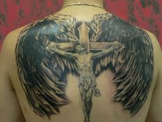 Sacred Jesus tattoo are perceived as one of the most powerful tattoos with many zealous christian people identifying with it. These designs are worn by both men Back Cross Tattoos, Cross Shoulder Tattoos, Cross Tattoo For Men, Tattoo Images, Tattoo Photos, Unique Tattoos, Cool Tattoos, Christus Tattoo, Jesus Tattoo Design