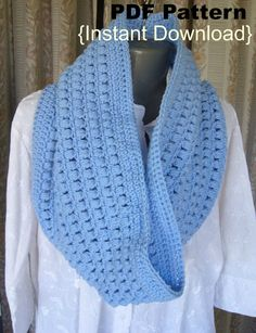 Crochet Pattern Crochet Aligned Puffs cowl pattern by Crochetkari