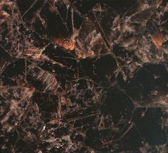 Quartz is the king of minerals: it is the most important constituent of most stones, including igneous, metamorphic, and sedimentary rocks. Suitable for all indoor applications.