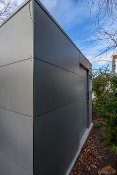 Design Gartenhaus in München | Modernes Gartenhaus | Flachdachgartenhaus @_gart by design@garten - Augsburg-Germany. modern garden shed