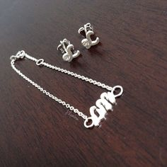 Earrings And bracelet (kids) $94,00