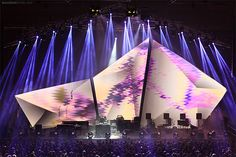 new Ideas for fashion show stage design ideas – – - corporate event ideas Stage Lighting Design, Stage Set Design, Bühnen Design, Booth Design, Design Ideas, Photowall Ideas, Concert Stage Design, Concert Lights, Corporate Event Design