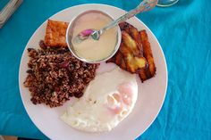 Pinterest and it's fancy food. Screw that! I'd rather have me some gallo pinto and eggs with fried plantains for breakfast! Typical Nicaraguan. YUM!