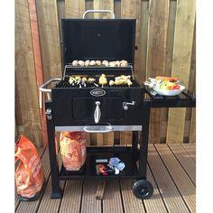 #Boretti #barbecue #houtskoolbarbecue