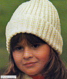 c75cfd30107d Blog de tricot avec d anciens modèles, des modèles vintages de bonnet,  bérets, chapeaux, cagoules, pour se protéger la tête du froid ou du chaud.