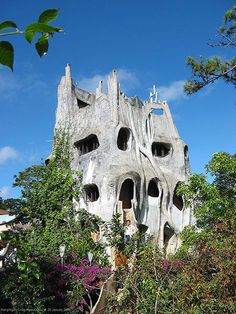 Exotic And Strange Architecture Of Hang Nga Guesthouse In Vietnam