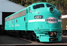 Net Photo: NYC 4083 New York Central Railraod at Boonton, New Jersey by Carl Perelman Rail Train, Train Art, New York Central Railroad, Old Trains, Vintage Trains, Train Posters, Railroad Pictures, Bonde, Railroad Photography