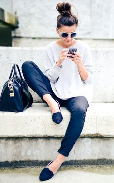 Styling Tips / black pants   white sweater