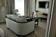 Rosewood Hotel Georgia - room arrangement