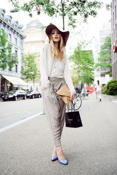 JVP_3538 by Kayture, via Flickr    Me encantaron los zapatos.