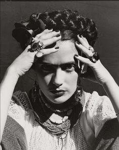 • FRIDA KAHLO (1907-1954) •