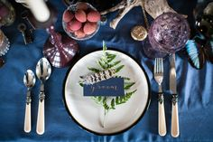 Feather Fern Place Setting Calligraphy Gold Blue Wild Opulence Autumn Wedding Ideas http://www.storyweddingphotography.co.uk/