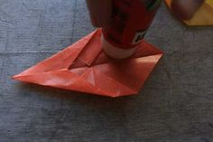 Easy beginner origami project to create a beautiful fall window star using kite paper with full step by step instructions and picture guide.