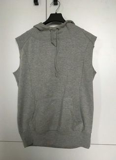 Kup mój przedmiot na #vintedpl http://www.vinted.pl/damska-odziez/bluzy/16749217-szara-bluza-z-kapturem-bez-rekawow