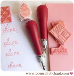DIY Gomme à graver, comment graver avec des outils pour linogravure ? Coeur d'artichaut©. (http://www.leblog.coeurdartichaut.com/2013/12/gomme-a-graver-et-outils-pour-linogravure-tome-02/)