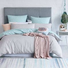 Awesome ideas to make your girls bedroom match their needs and dreams. Create a fun and stylish bedroom for young girls and teenagers with our inspiration. Dream Rooms, Dream Bedroom, Home Bedroom, Bedroom Decor, Bedroom Ideas, Scandi Bedroom, Bedroom Themes, Bedroom Inspiration, Girl Bedroom Designs